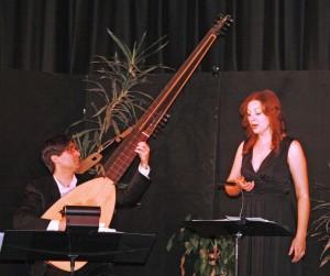 Photo : Serge PilonLe guitariste et théorbiste Michel Angers et la soprano Peggy Bélanger