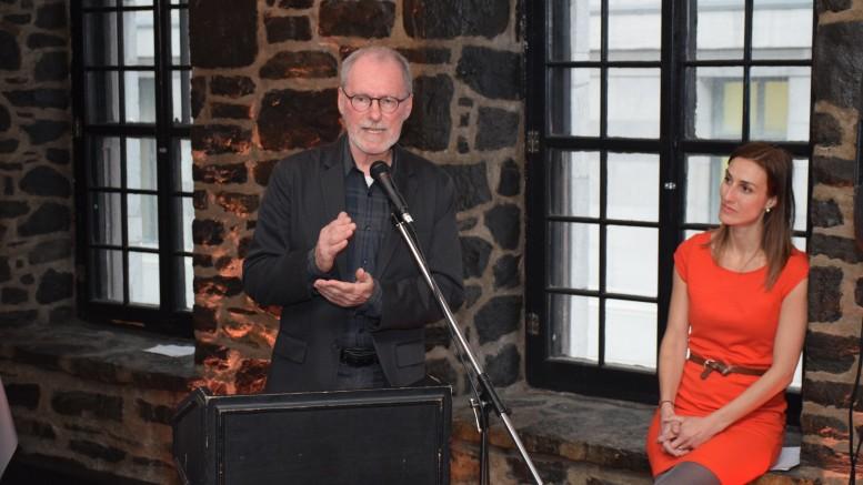Claude Robillard, ex-secrétaire général de la Fédération professionnelle des journalistes du Québec et Caroline Locher, directrice générale de la FPJQ