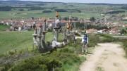Photo : Gilbert Tousignant; Sur le chemin de Compostelle, en vue de la villa de Saugues, étape du chemin de St Jacques de Compostelle.