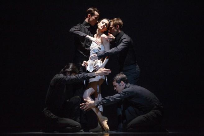 Boléro, avec ses cinq danseurs entremêlant corps et expertise, a laissé sans mot les spectateurs du grand chapiteau, le 10 août dernier.