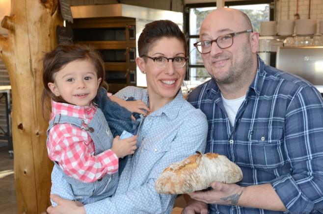Photo: Merci la vie Albert Elbilia et Johanne Martineau ont décidé d'ouvrir leur propre boulangerie à Prévost, en novembre 2015, sous le nom de Merci la vie.