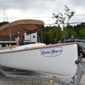 Photo: Félix Larose-Tarabulsy; Le bateau électrique Fantail 217.