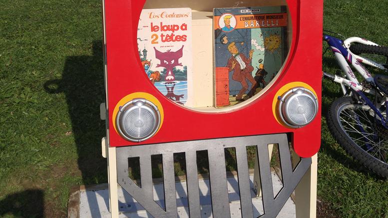 Photo: Valérie Lépine; La boîte Croque-livres intallée dans le parc du Clos-Fourtet à Prévost
