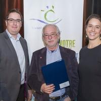 Photo: Lucien Lisabelle; 1-Alexandre Gélinas, président du CCL; Louis-Philippe Hébert, lauréat prix du CALQ; Véronique Fontaine, directrice du soutien aux organismes de création et de production au CALQ.