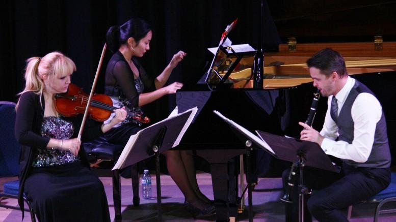 Photo: Serge Pilon ; Zodiac trio: Vanessa Mollard, violon, Riko Higuma, piano, Kliment Krylovskiy, clarinette