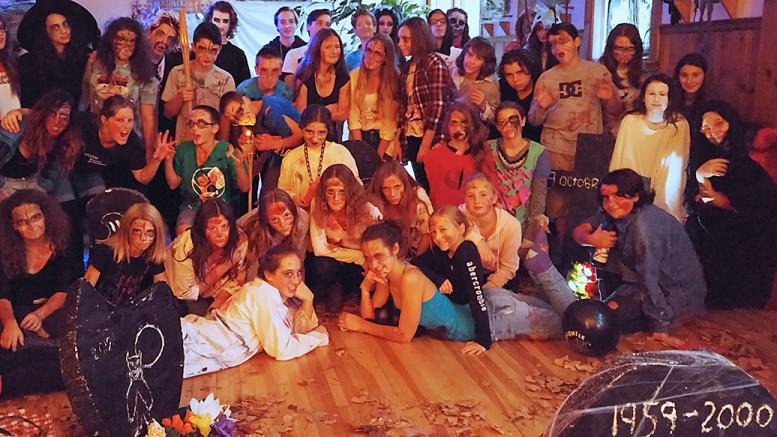 Photo : Valérie Lépine ;  Le groupe des jeunes du camp de jour
