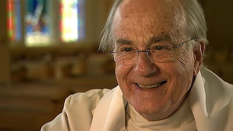 Photo: Radio-Canada; Le chanoine Jacques Grand'Maison est mort à l'âge de 84 ans.