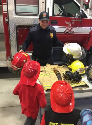 Photo : Ville de Prévost; Plus de 100 jeunes ont visité la caserne de pompiers de Prévost lors de la semaine de relâche.