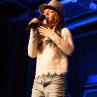 2e place : Julia Vourantonis (chant) Dans la catégorie 5 à 12 ans