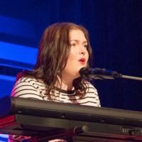 Choix du public : Lydia Sutherland (chant et piano) et 2e place (chant et piano)  Dans la catégorie 18 à 21 ans