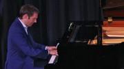 David Jalbert, pianiste. F. Schubert: Quatre impromptus, D899, op. 90; S. Prokofiev : Sonate no 2 en ré mineur, op. 14; R. Schumann: Scènes de la forêt, op. 82; I. Stravinsky: Trois mouvements de Petrouchka.