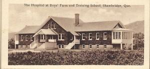 L'hôpital de Boys' Farm maintenant reconverti en bureaux de l'administration – Carte originale, collection privée de l'auteur.