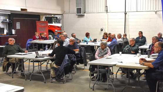 Près d'une trentaine ont participé aux discussions sur le sécurité à Prévost – photo : Luc Brousseau